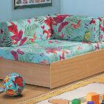 кресло кровать с розовыми бабочками