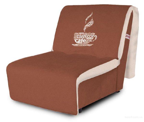 кресло кровать с чашкой кофе