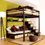 кровать для взрослых с лестницей