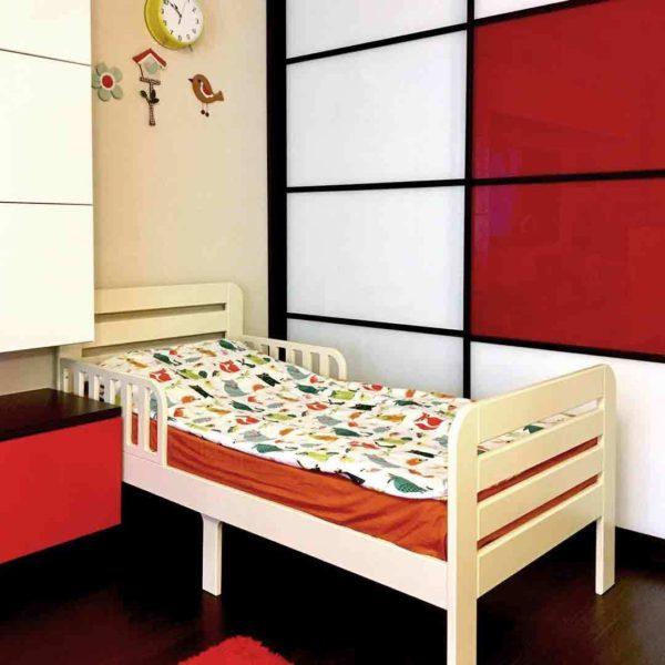 яркая постель для ребенка