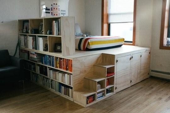 кровать-подиум и чердак в одном
