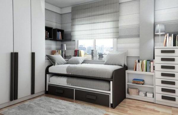 кровать серая для двух подростков