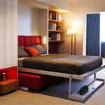 опущенная кровать-трансформер