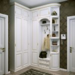 длинный белый шкаф