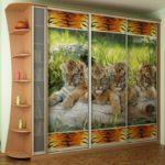 шкаф-купе с тиграми