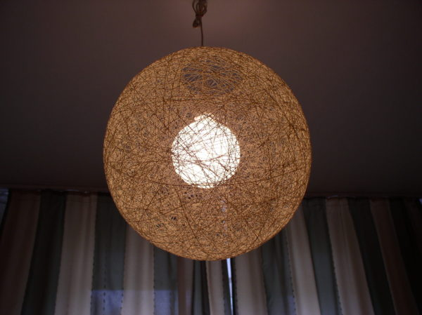 плафон для лампы из ниток