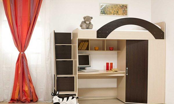 кровать-чердак с высоким бортиком