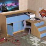 детская кровать-чердак голубая