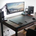 стол для компьютера и планшета