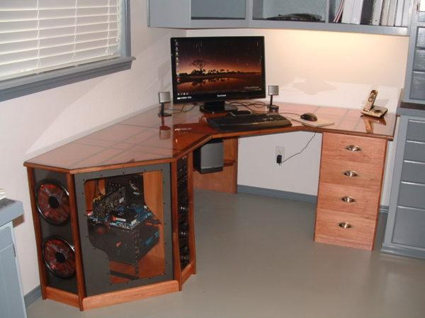 компьютерный стол с оригинальным дизайном системника