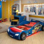 кровать-машина синяя