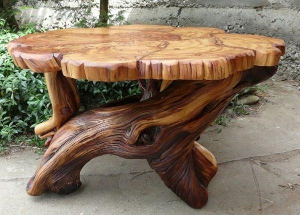 стол с подставкой из коряги