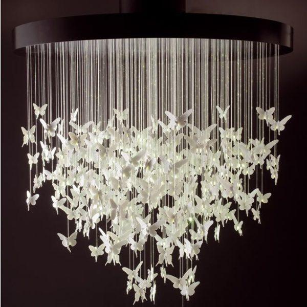 люстра с бумажными бабочками