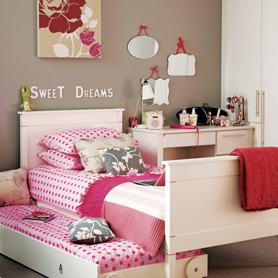 розовая кровать для подростков девочек