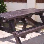 стол и крашеной древесины