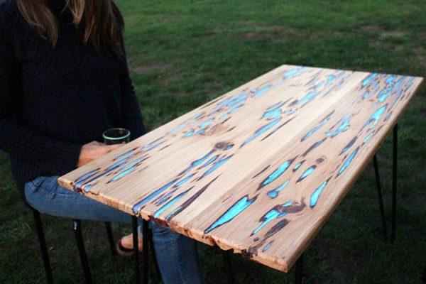 стол с эпоксидной смолой