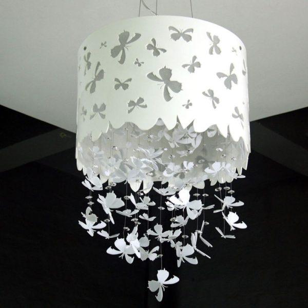 светильник из бумаги с бантиками и бабочками