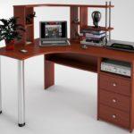 компьютерный стол из красного дерева