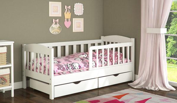кровать для маленькой девочки