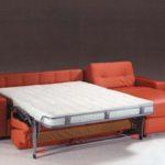 кирпичный диван-кровать с матрасом