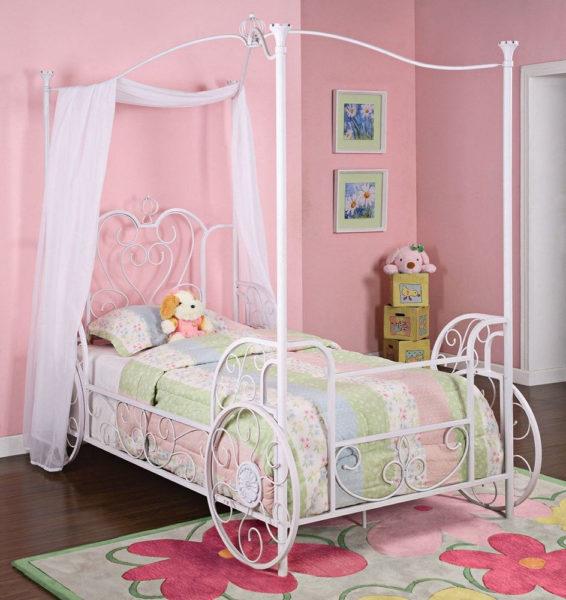 кровать для девочки с метллическим каркасом