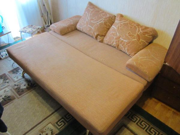песочный диван
