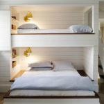 двухэтажная кровать подростка
