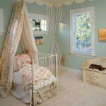 кровать для маленькой девочки с балдхином
