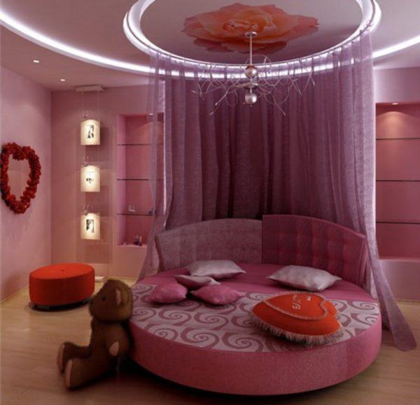 Кровать со шторой для девочки