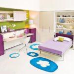 фиолетовая кровать