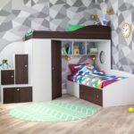 черно-белая кровать-чердак