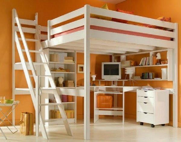 кровать чердак с полками для книг