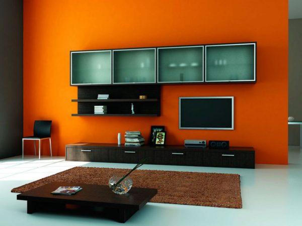 стенка на оранжевом фоне