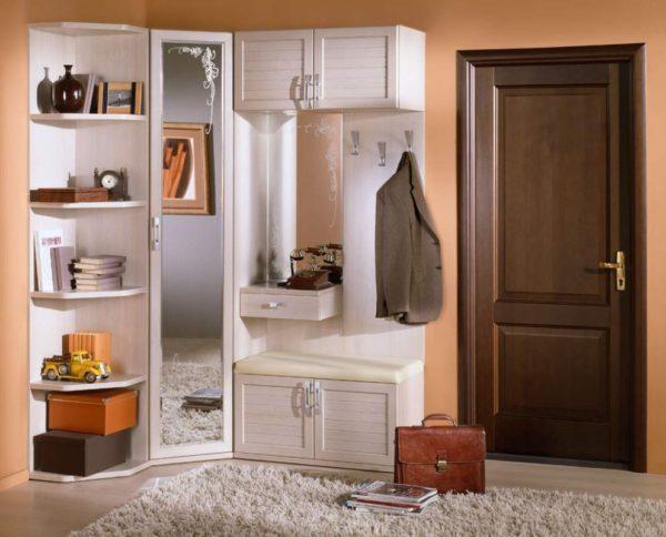 шкаф с зеркалом в рост