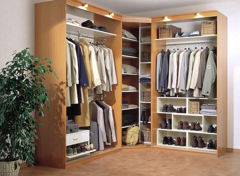 угловой шкаф для прихожей преимущества и оригинальные модели