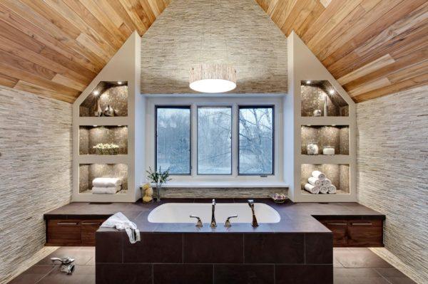 Интерьер ванной комнаты в дачном доме