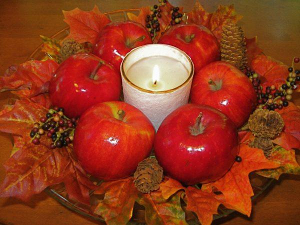 Как сделать подсвечник из яблока