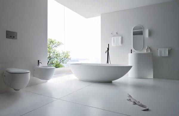 белая мебель в ванне