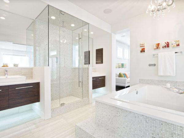 белый интерьер ванной комнаты