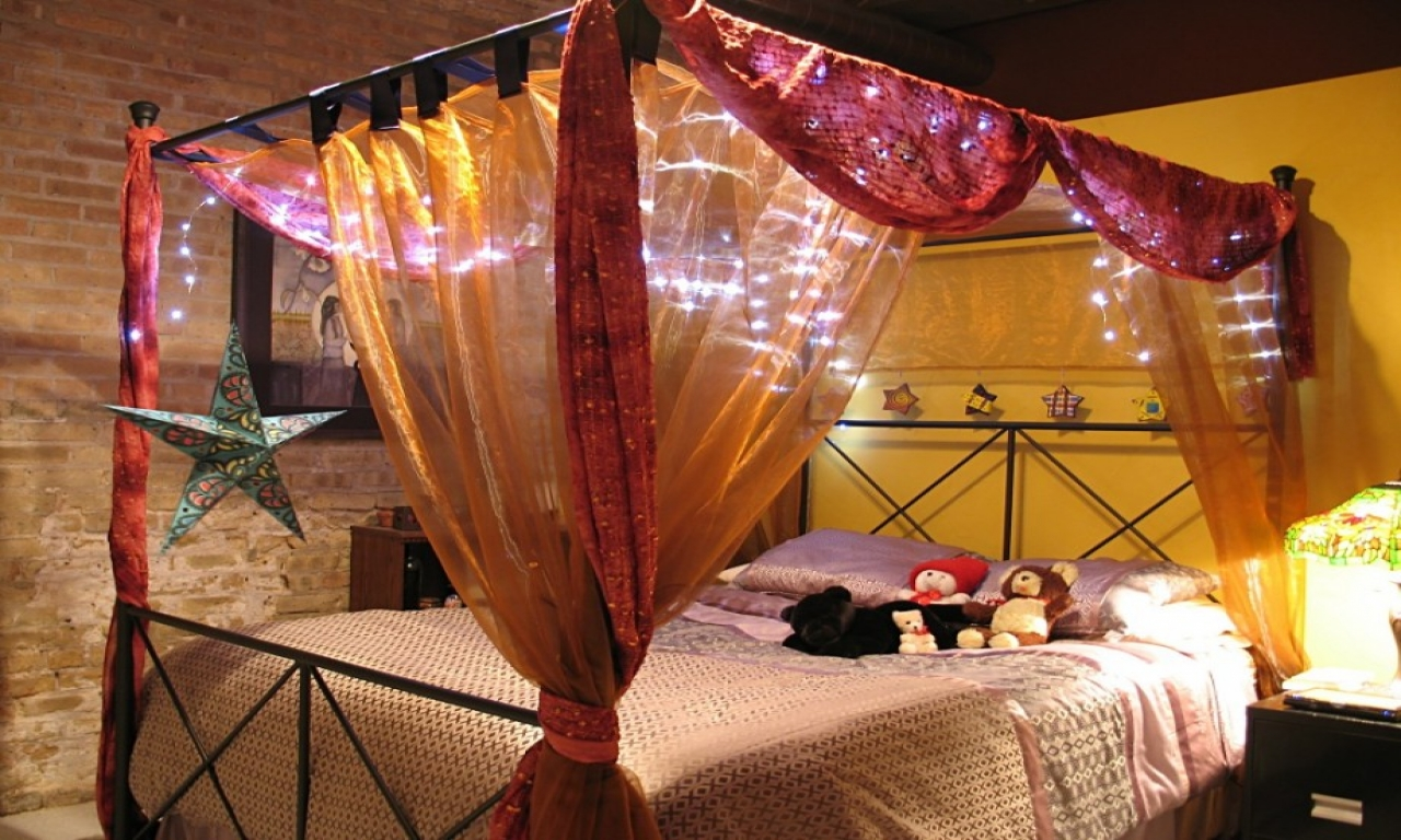 Красивый балдахин над кроватью своими руками