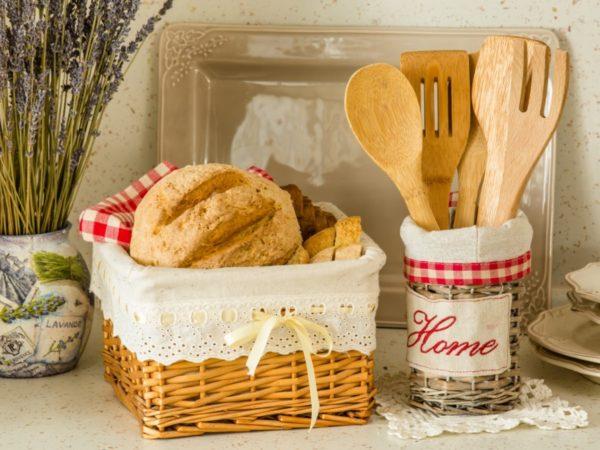 хлебница из плетеных корзин