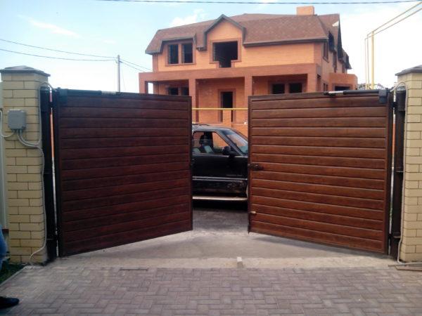 раздвижные ворота для загородного дома
