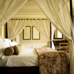 шикарная кровать с балдахилом