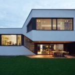 шикарный двухэтажный загородный дом