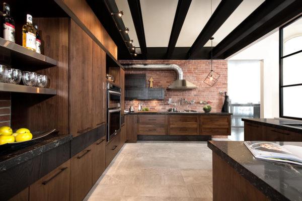 яркое освещение на кухне в стиле лофт