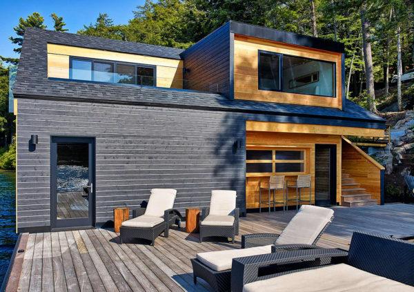 загородный дом с мезонином
