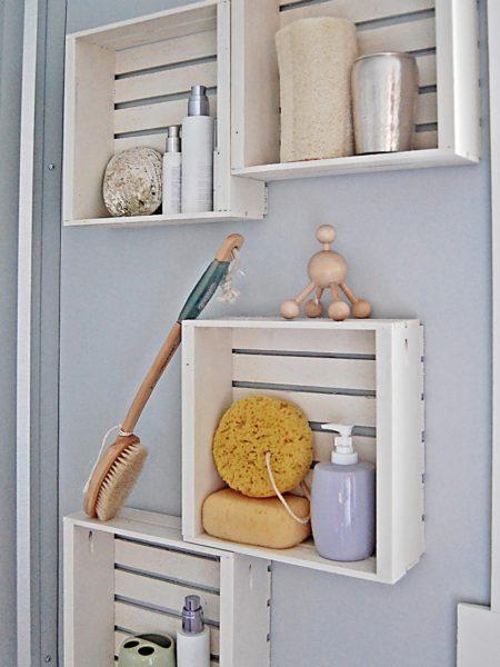 деревянные полочки для ванной комнаты