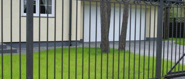 Секции из металла - надежный забор