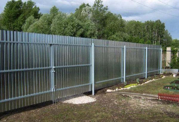 Веские причины выбрать металлический забор