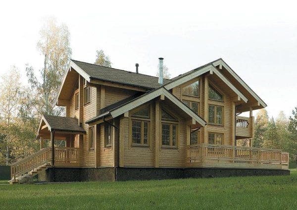 Какие особенности строительства домов из клееного бруса нужно учитывать